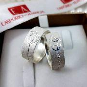 Alianças Prata Compromisso Namoro Quadrada Nossa Senhora Aparecida Fosca Pedra Zircônia 8mm 13 Gramas o Par