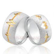Alianças Prata Compromisso Namoro Redonda Banho Ouro Batimento Cardíaco Coração Vazado 10mm 18 Gramas