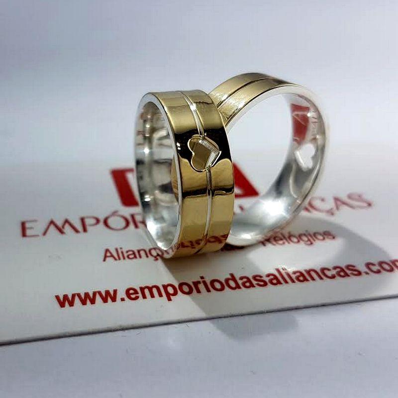 Alianças Ouro 18k Casamento Noivado Estrutura Prata Coração Vazado Quadrada 7mm 18 Gramas