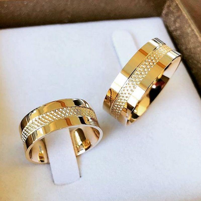 Alianças Ouro 18k Casamento Noivado Quadrada Trabalhada 7mm 14 Gramas Anatômica