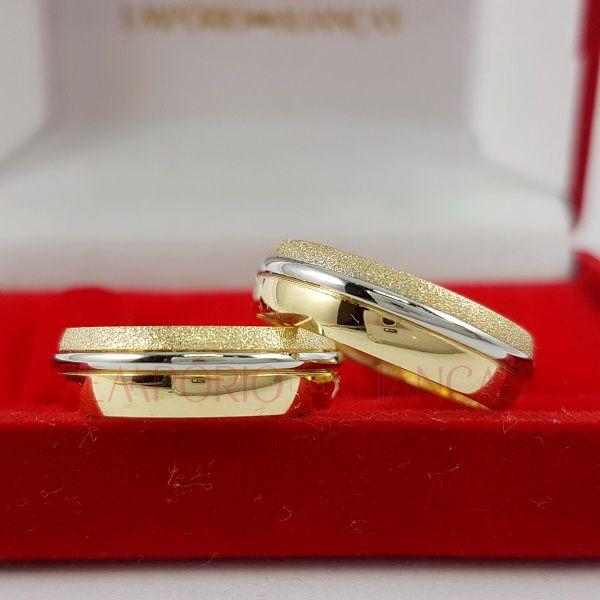 Alianças Ouro Bodas de Prata Duas Cores Anatômica Redonda Fosca e Polida 6mm 11 Gramas