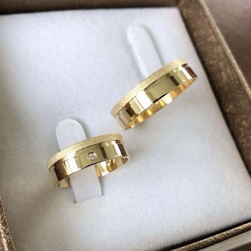Alianças Ouro Noivado Casamento 18k Quadrada Fosca Pedra Zircônia 6mm 9 Gramas o Par