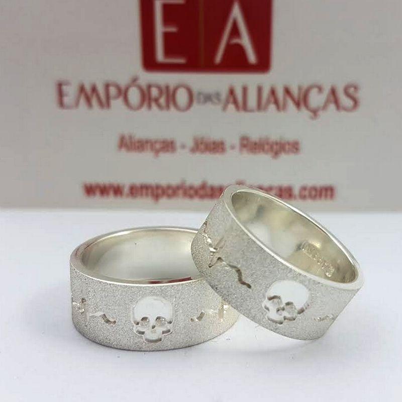 Alianças Prata Compromisso Namoro Caveira Batimento Fosca Quadrada Larga 8mm 18 Gramas Anatômica