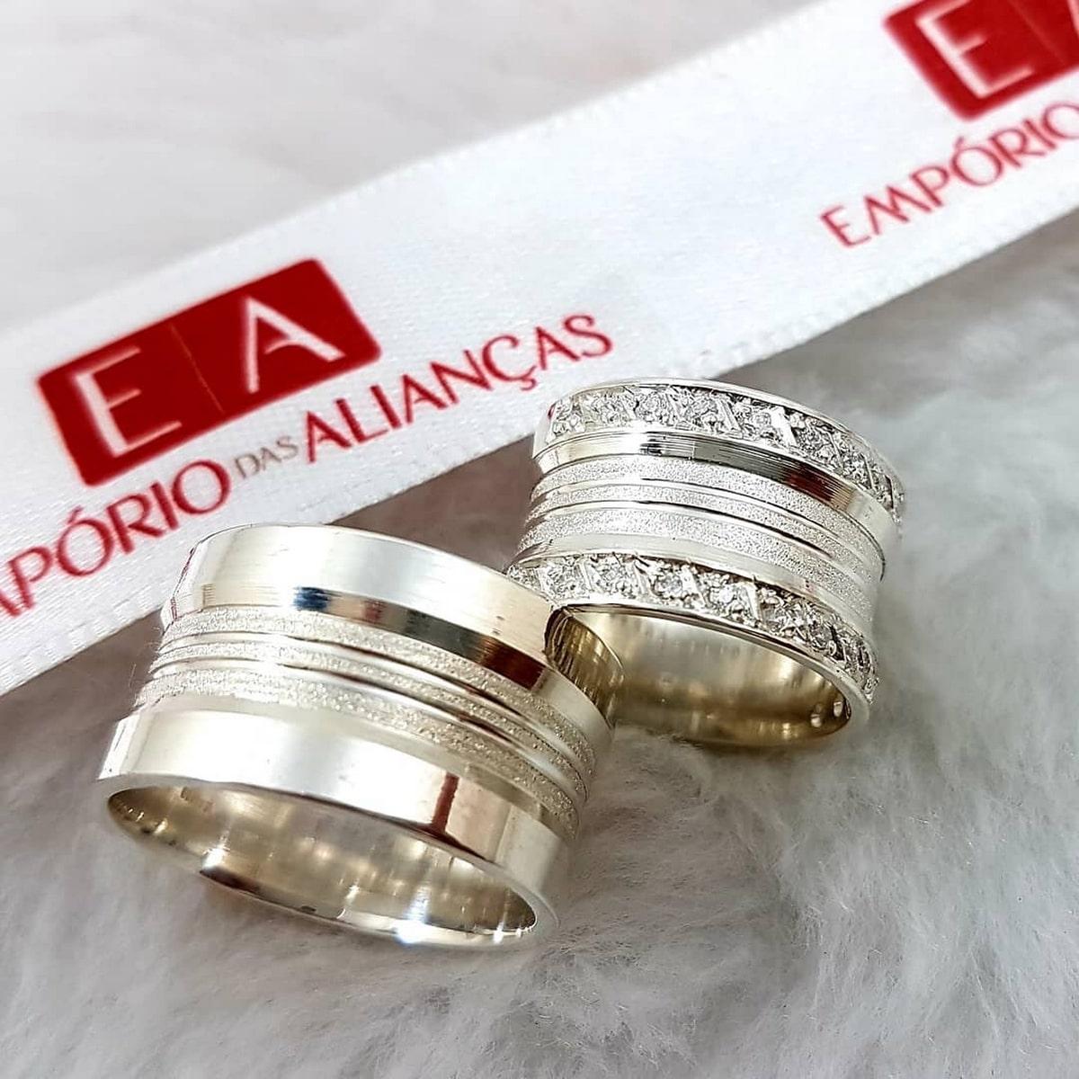 Alianças Prata Compromisso Namoro Larga Pedra Zircônia Anatômica 12mm 15 Gramas o Par