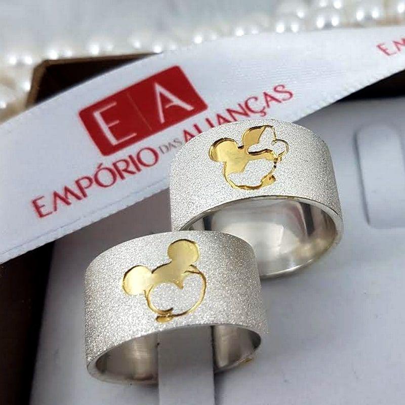 Alianças Prata Compromisso Namoro Mickey Minnie Banho Ouro 10mm 20 Gramas Anatômica
