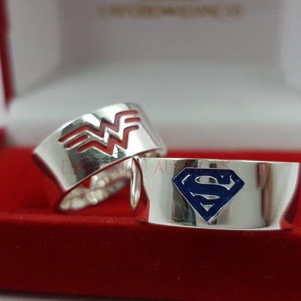 Alianças Prata Compromisso Namoro Quadrada Anatômica Superman Mulher Maravilha Coração Vazado 8mm 14 gramas Lisa Polida