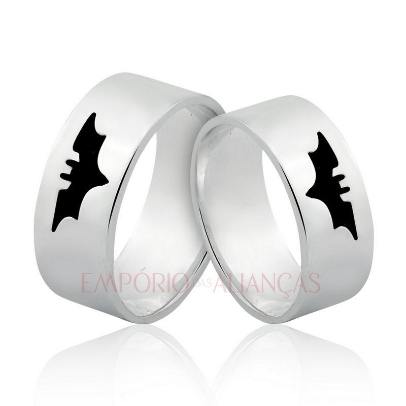 Alianças Prata Compromisso Namoro Quadrada Esmaltada Batman Morcego Anatômica 8mm 14 Gramas
