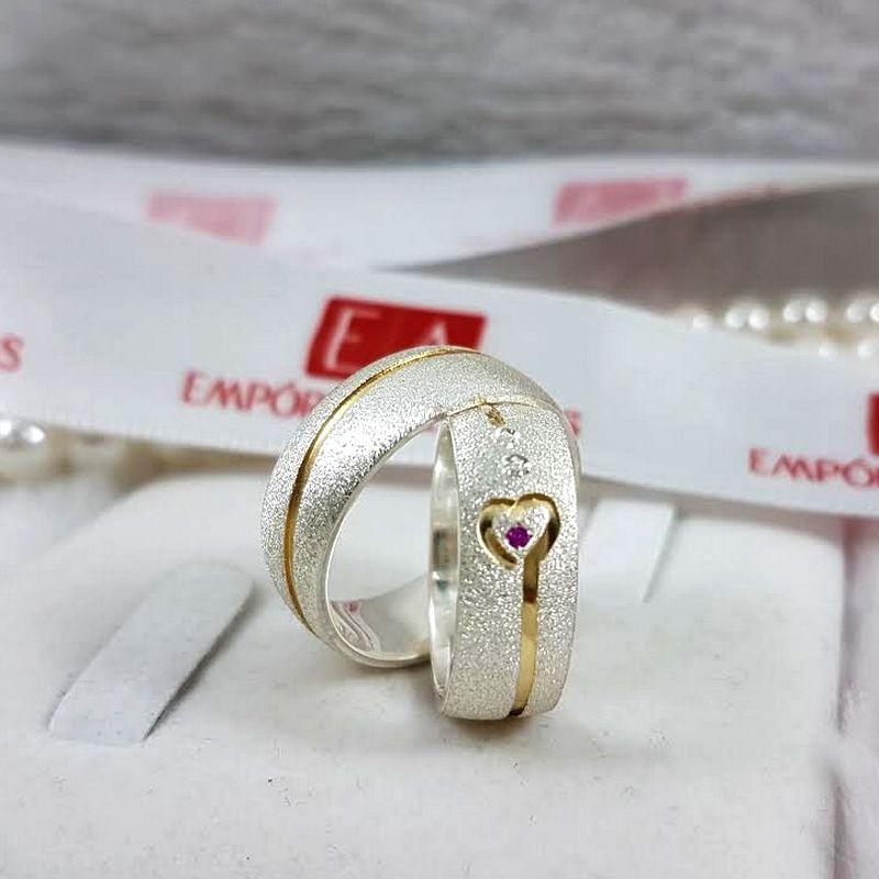 Alianças Prata Namoro Compromisso Anatômica Redonda Fosca Pedra Zircônia Vermelha Banho Ouro 6mm 11 Gramas o Par