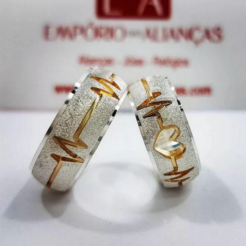 Alianças Prata Namoro Compromisso Redonda Coração Vazado Batimento Cardíaco Anatômica 8mm 16 Gramas