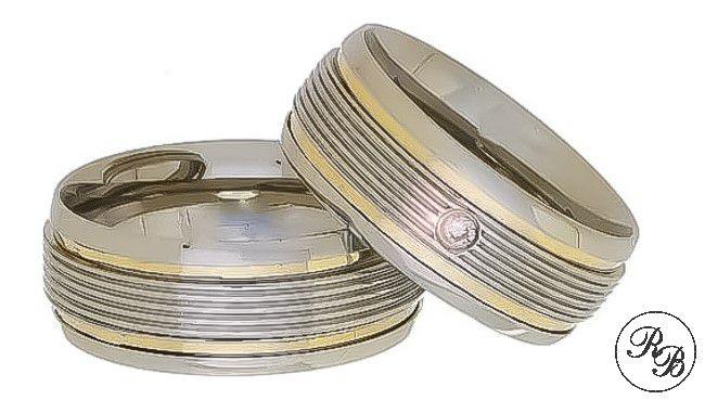 Aliança de aço inox abaulada com pedra | Frisos | 2 Filetes de ouro | 8 mm