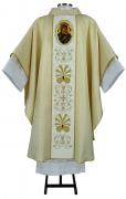 Casula com tecido brocado dourado e galão de Nossa Senhora do Perpétuo Socorro