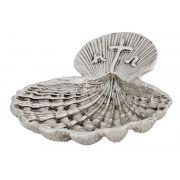Concha para Batismo - fabricada em latão fundida - dourado ou niquelado - dimensões 13,5x11cm