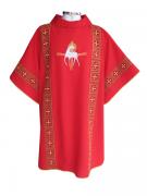 Dalmática vermelha - confeccionada em tecido oxford - aplique de fitas com fio dourado - acompanha estola