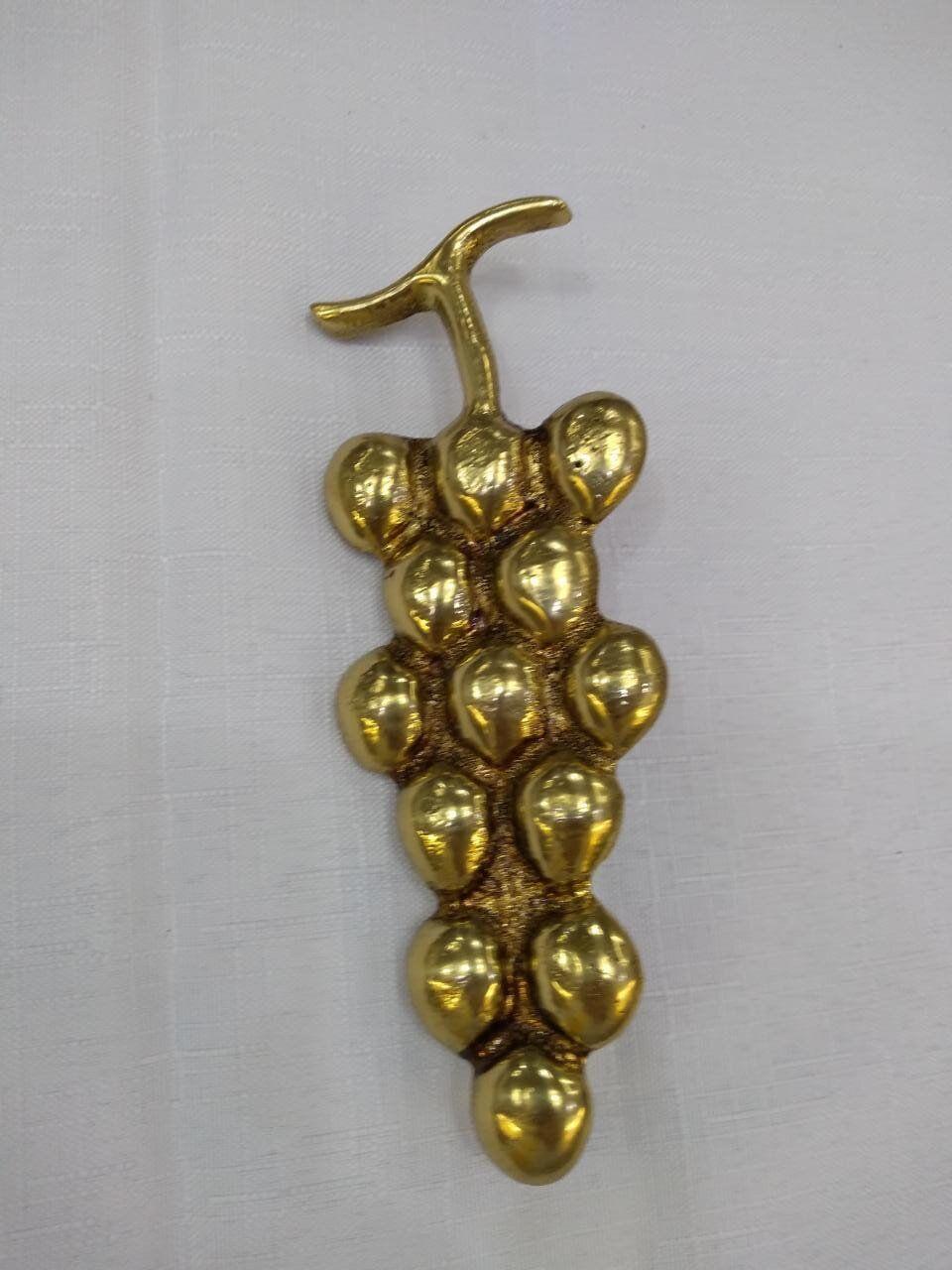 """Aplique modelo """"Uva"""" em bronze, dourado, para altar ou pedestal de leitura - 15cm altura X 8cm comprimento"""