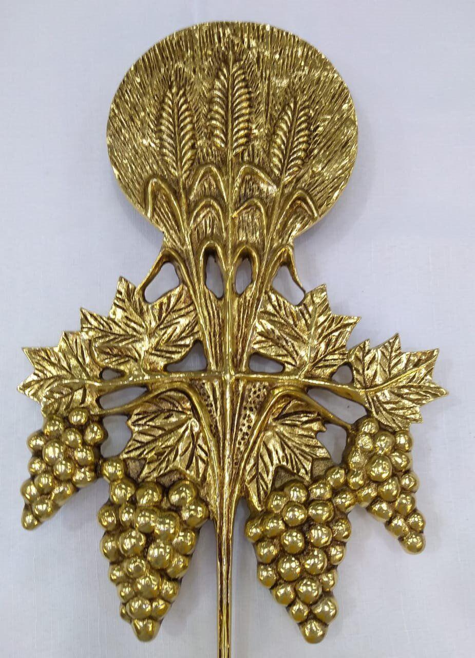 """Aplique  modelo """"Trigo e uva"""" em bronze, dourado, para altar ou pedestal de leitura - 41cm altura X 30cm comprimento"""