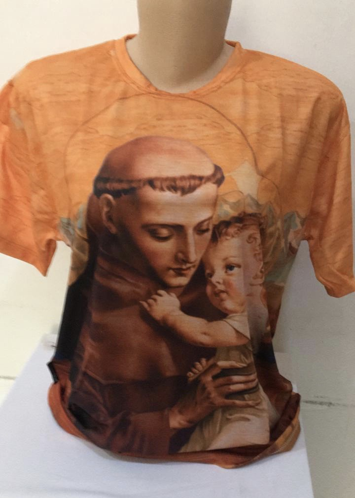 Camiseta estampa Santo Antônio