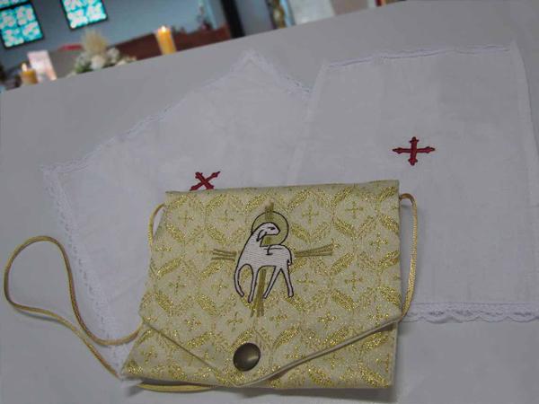 Carteirinha de ministro - bolsa de viatico com sanguineo e corporal brocado