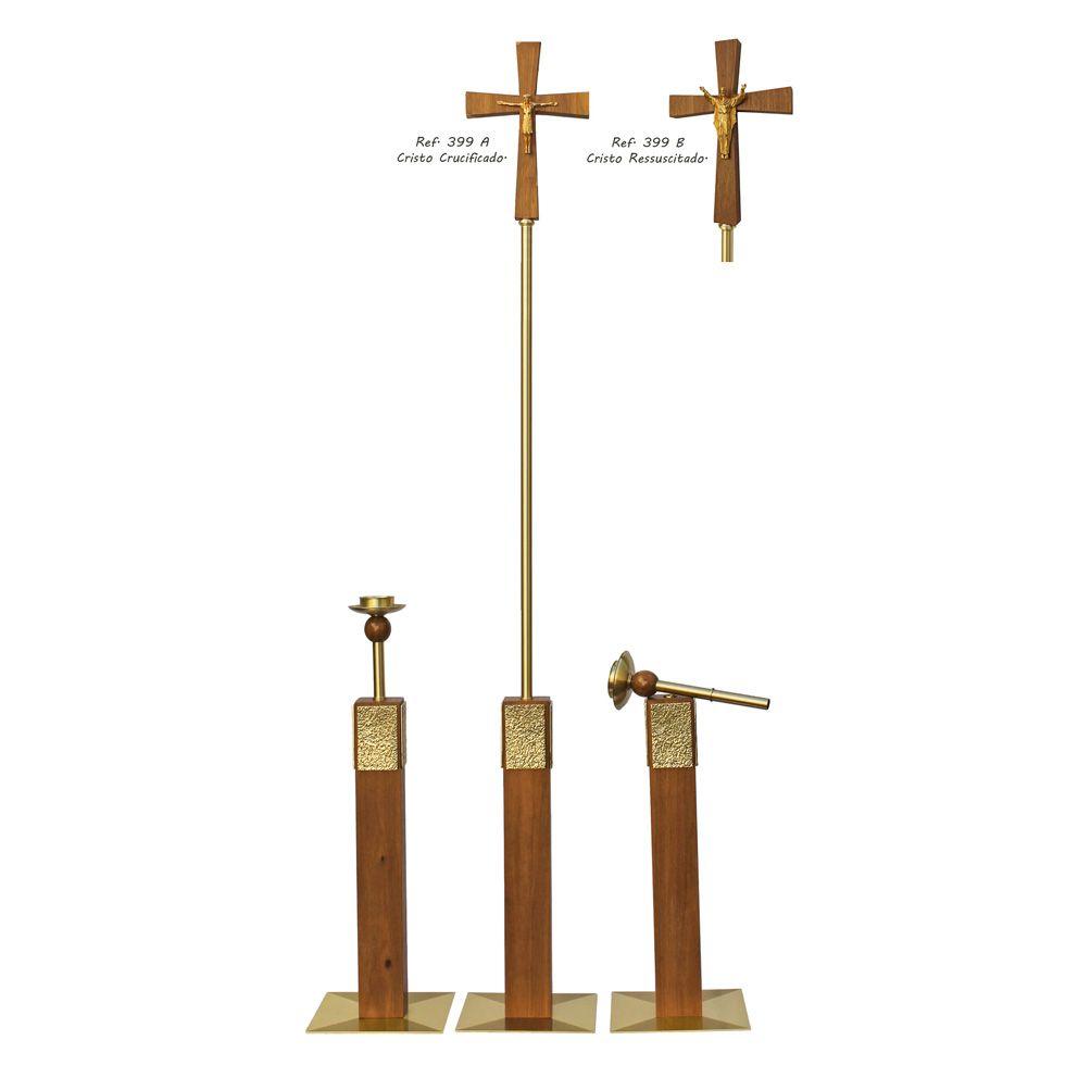 Conjunto 2 Castiçais e 1 Cruz Processional em madeira