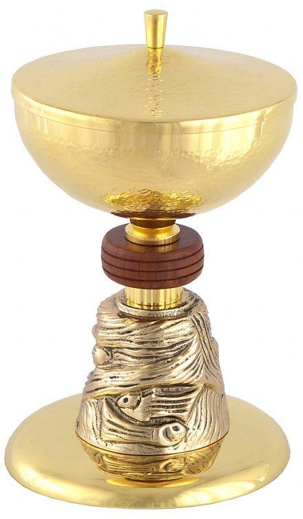Cibório com pé trabalhado e detalhe em madeira - dourado ou niquelado - altura 20cm - diâmetro da copa 15cm - capacidade para 300 partículas