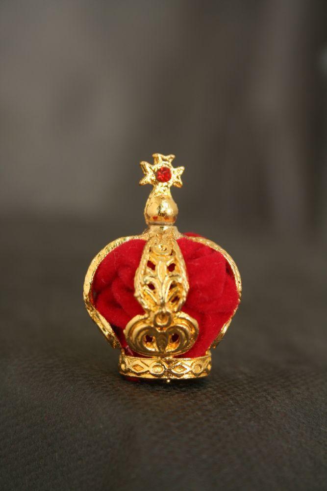 Coroa banhada a ouro - com veludo vermelho interno - adornada com pedras - diâmetro da base 12mm - para imagem de Fátima de 28cm