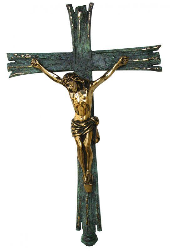 Cruz Processional com pátina - confeccionada em latão - medidas 30x235cm