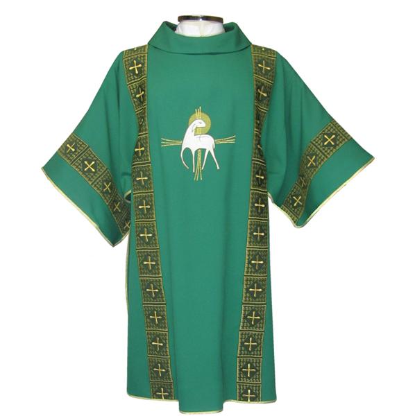 Dalmática verde - confeccionada em tecido oxford - aplique de fitas com fio dourado - acompanha estola