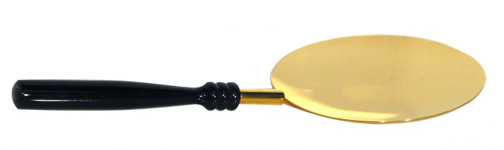 Patena dourada com cabo de madeira - medidas 17x39cm