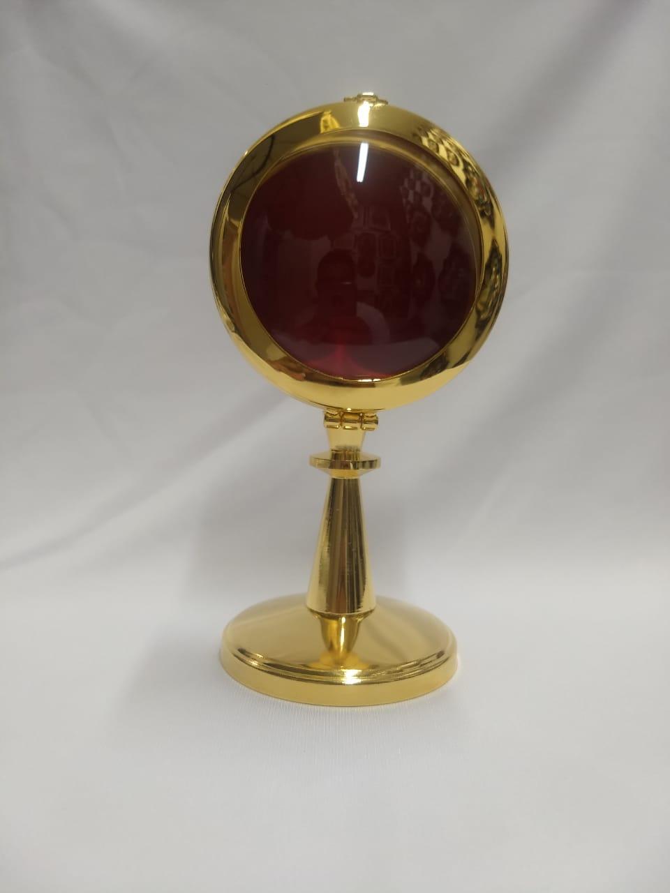 Relicário Italiano (importado) banhado à ouro com veludo vermelho no interior, altura 16cm X 8 cm largura