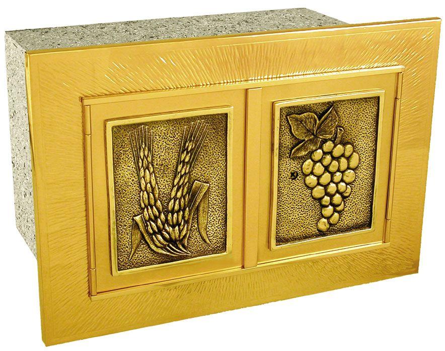 Sacrário de embutir - fabricado em latão ou cobre - dimensões 40x25x25cm