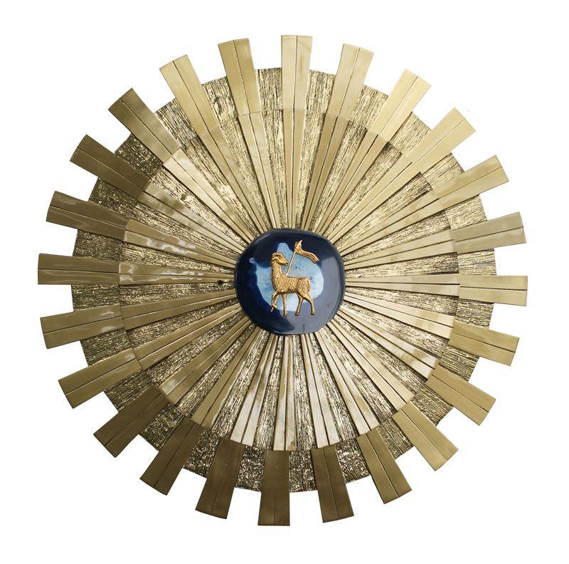 Sacrário de embutir modelo Sol Gigante - material latão fundido com verniz protetor - com iluminação de LED - dimensões 40x40x40cm