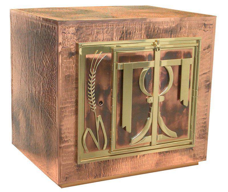 Sacrário expositor com porta frontal - material latão ou cobre - dimensões 45x40x35cm - (acompanha Ostensório)
