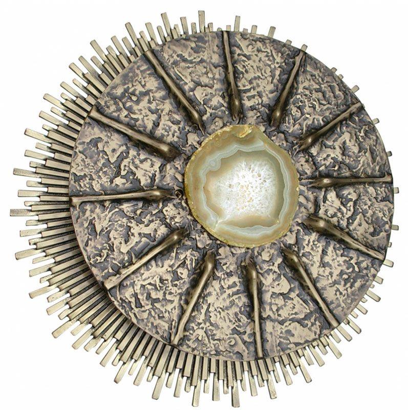 Sacrário de embutir - modelo 12 Apóstolos - material ferro e latão fundido - dimensões 28x28x28cm
