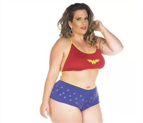 Fantasia Plus Size Mulher Maravilha Short e top Pimenta Sexy
