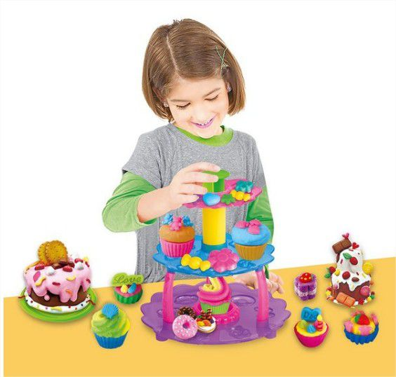 Massinha de Modelar Torre de Cupcake com acessórios Modele e Brinque DM Toys