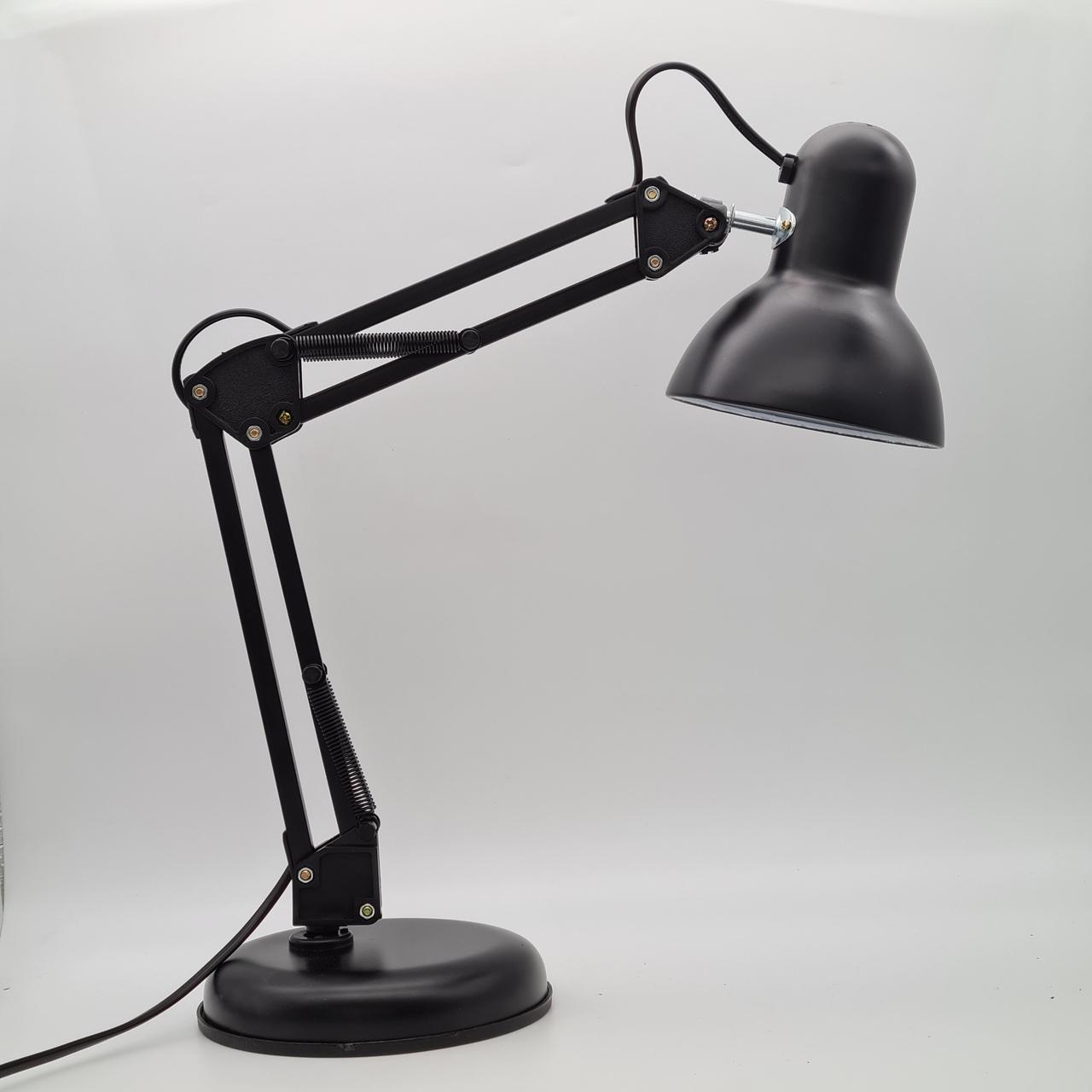 Luminária articulada de mesa - Preta