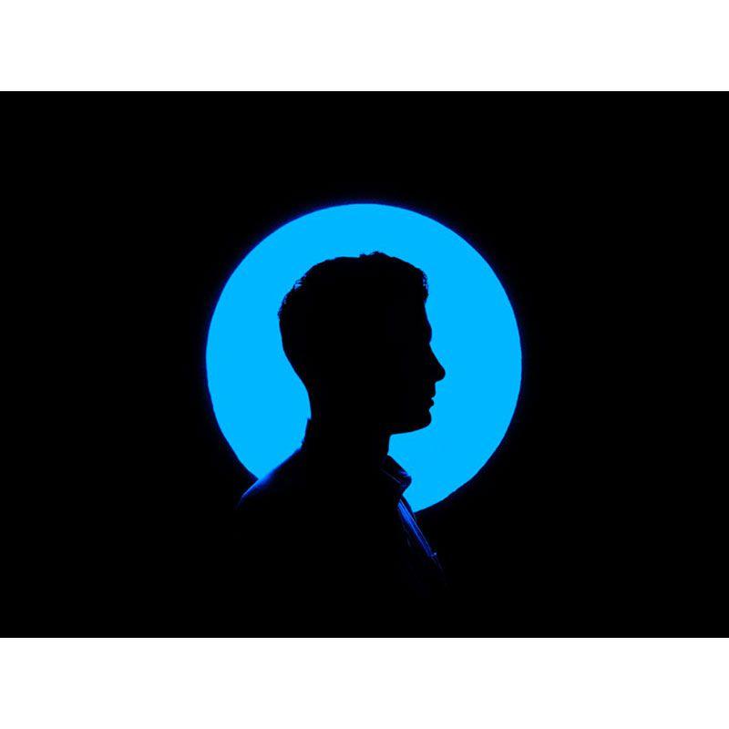 Quadro decorativo em canvas homem em azul