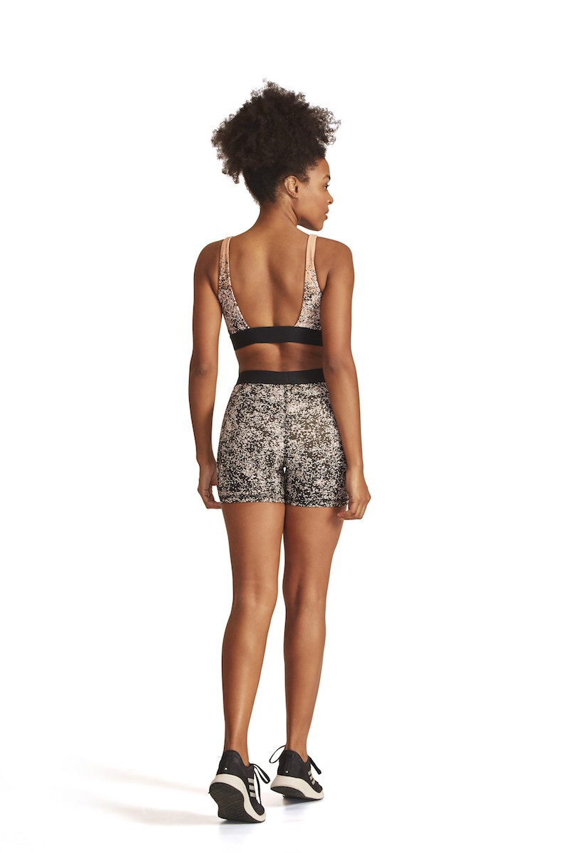Shorts Equate Cor PRETO