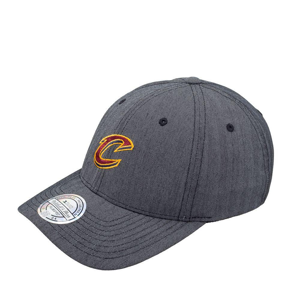 Boné NBA Cleveland Cavaliers Mitchell & Ness  - TREINIT