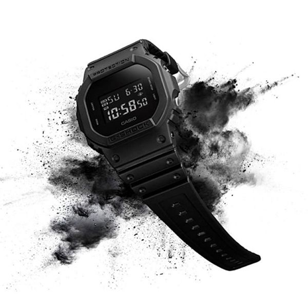 Relógio Casio G-Shock DW-5600BB-1DR Resistente a choques  - TREINIT