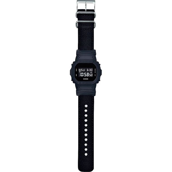 Relógio Casio G-Shock DW-5600BBN-1DR Resistente a choques Pulseira Cordura  - Treinit