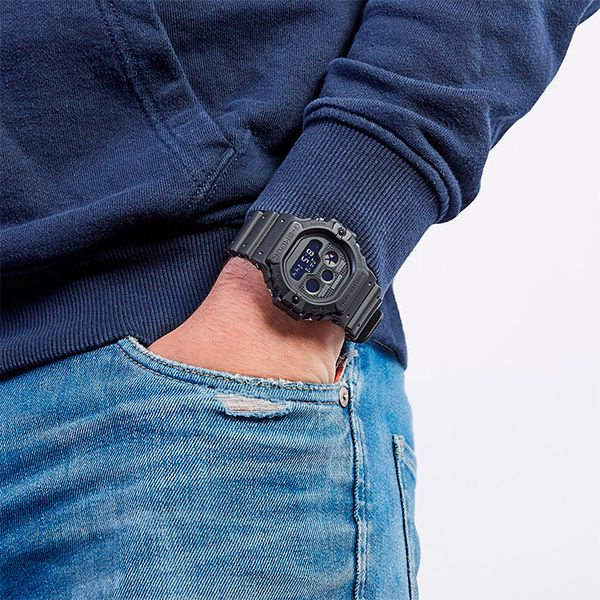 Relógio Casio G-Shock DW-5900BB-1DR Revival Resistente a choques  - Treinit