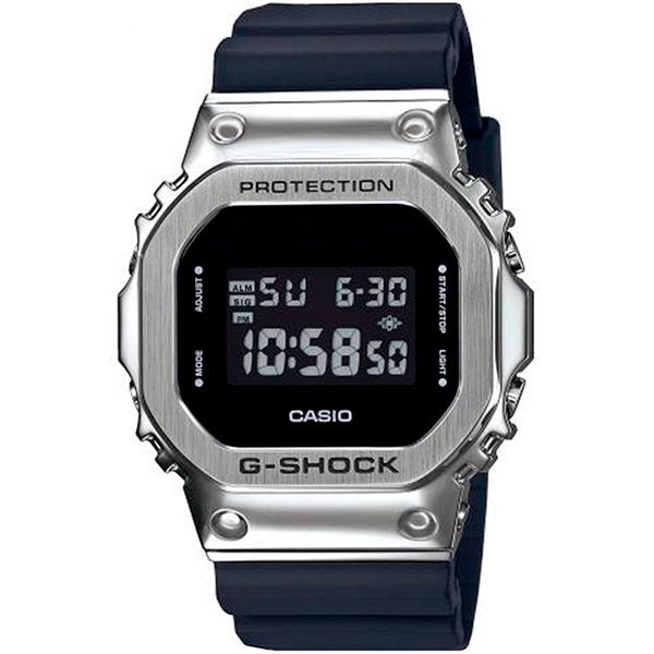 Relógio Casio G-Shock GM-5600-1DR Caixa em Aço Inoxidável  - Treinit