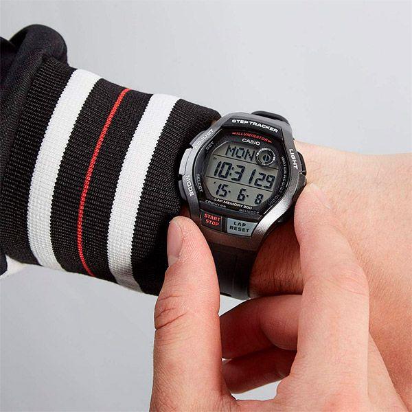 Relógio Casio Step Tracker WS-2000H-1AVDF Contador de Passos  - TREINIT