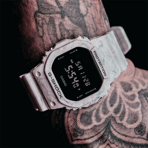 Relógio G-SHOCK DW-5600WM-5DR UTILITY WAVY MARBLE Series  - TREINIT