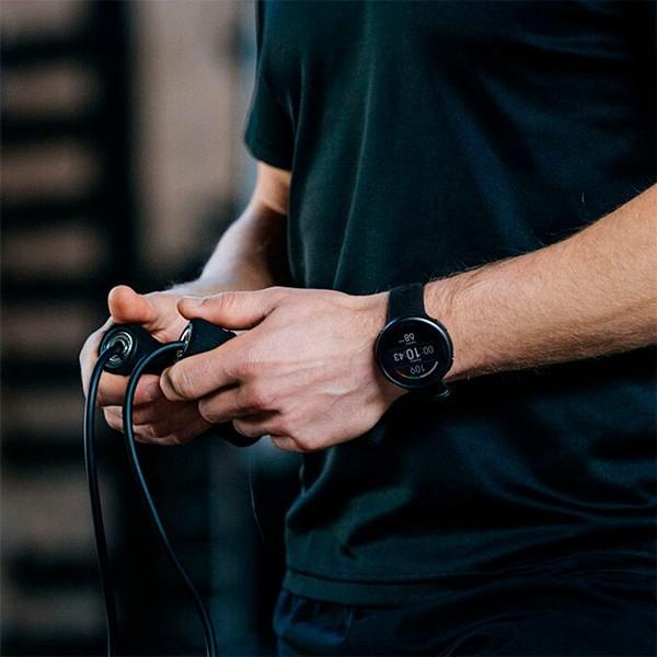 Relógio GPS Multiesportes Monitor Cardíaco de Pulso Polar Vantage V2 Preto  - TREINIT