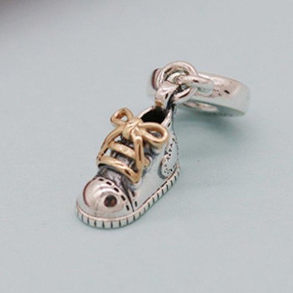 Charm Pendente Sapato de Bêbe  Prata925 Banho De Ouro18k
