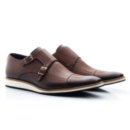 Sapato social oxford bico fino em couro na cor café com fivela 521