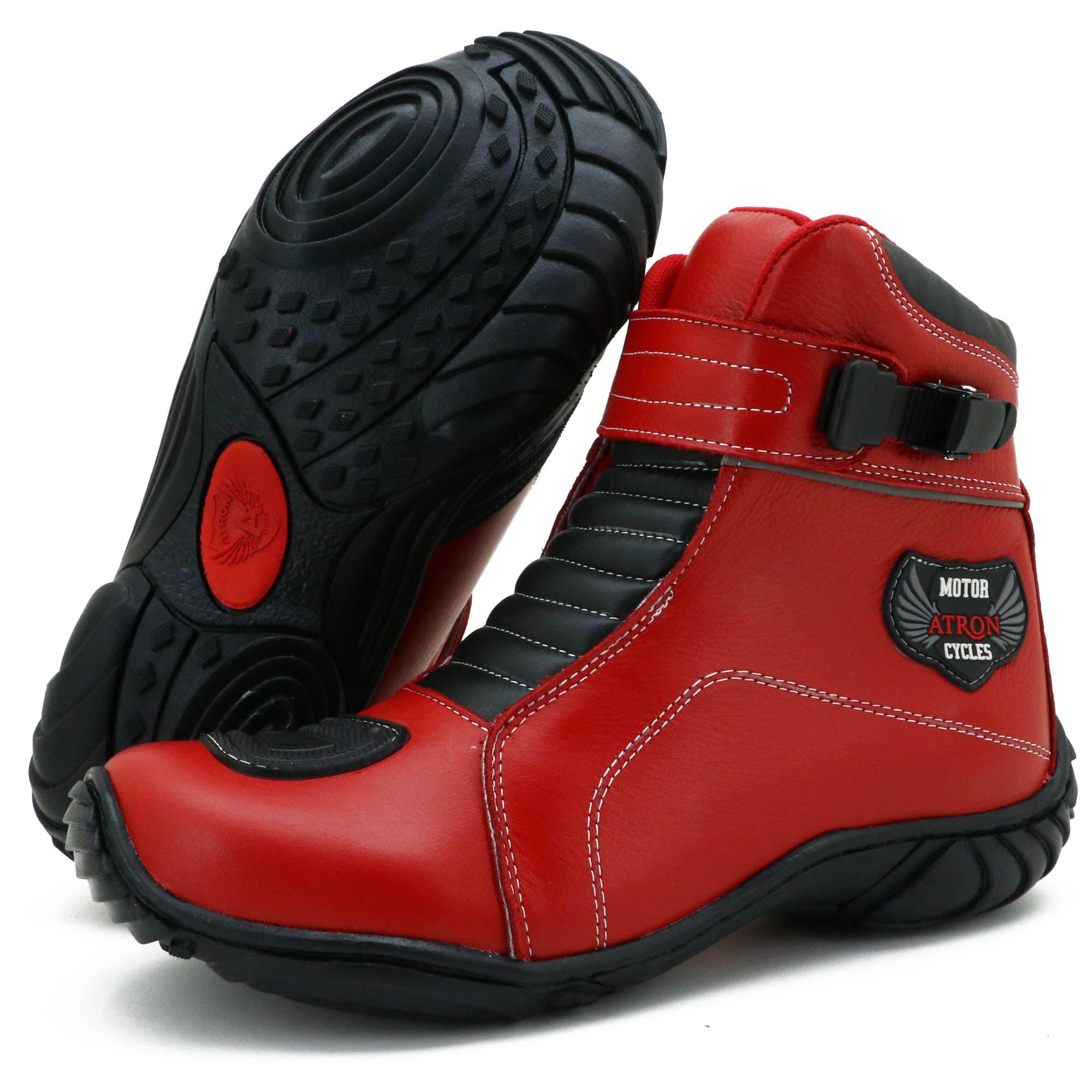 Bota coturno motociclista de couro na cor vermelha com tira ajustável 287