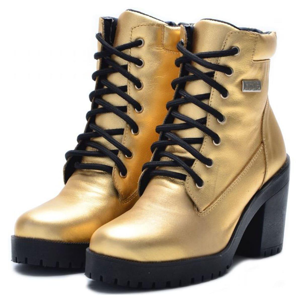 Bota de cano curto com zíper na lateral em couro legítimo na cor dourada 9404