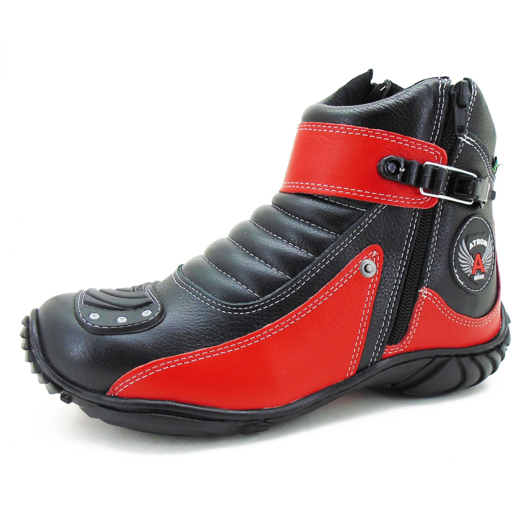 Bota em couro natural semi impermeável preta e vermelha 271 com chinelo estampado - GRATIS UMA CARTEIRA